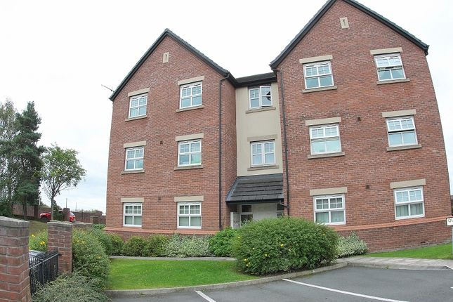 2 bed flat for sale in Queens Court, Regency Walk, Middlewich, Cheshire.