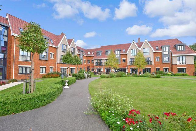 1 bed flat for sale in Kleinwort Close, Haywards Heath, West Sussex RH16