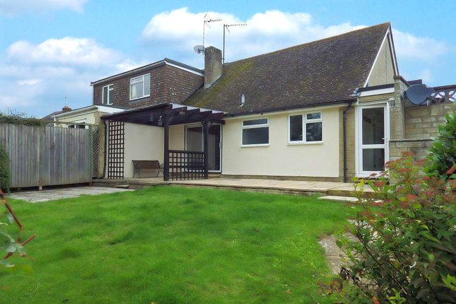 Picture 8 of Busbys Close, Clanfield, Oxfordshire OX18