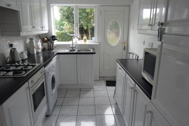 3 bed property to rent in Binsted Close, Sheffield