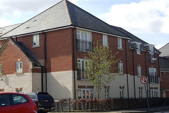 Thumbnail Flat to rent in Dickens Close, Stratford-Upon-Avon