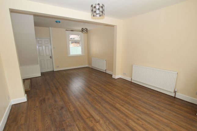2 bed terraced house to rent in Hertford Road, London N9