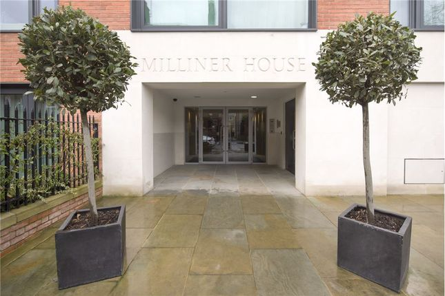 2 bed flat for sale in Hortensia Road, Chelsea
