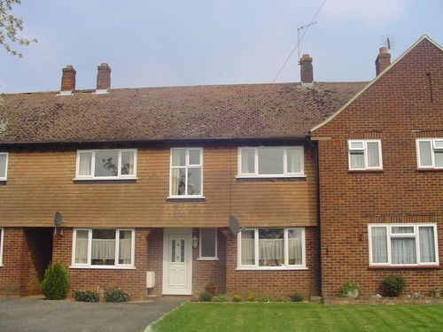 Thumbnail Terraced house to rent in Cabell Road, Guildford