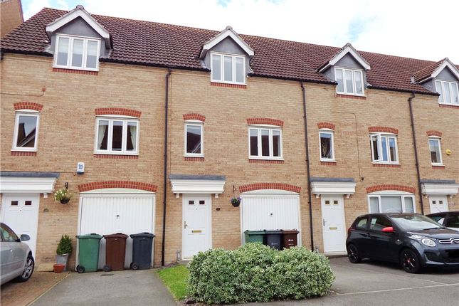 Thumbnail Town house to rent in Dunlop Avenue, Farnley, Leeds