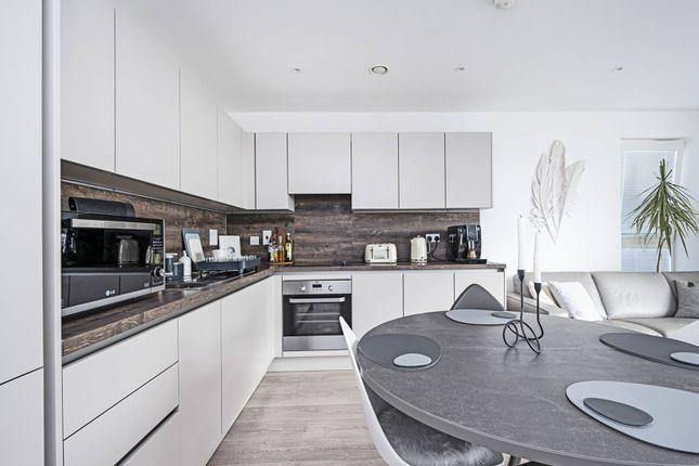 2 bed flat for sale in Damsel Walk, Hendon, London NW9