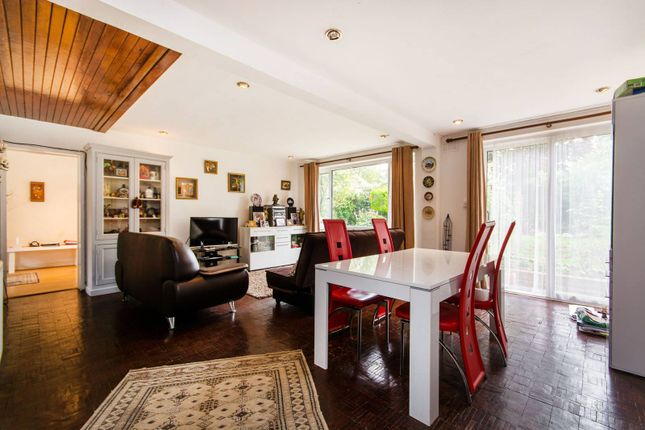Thumbnail Property for sale in Alleyn Park, Dulwich