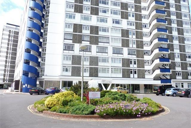 3 bed flat to rent in Admirals Walk, West Cliff Road, Westbourne, Bournemouth
