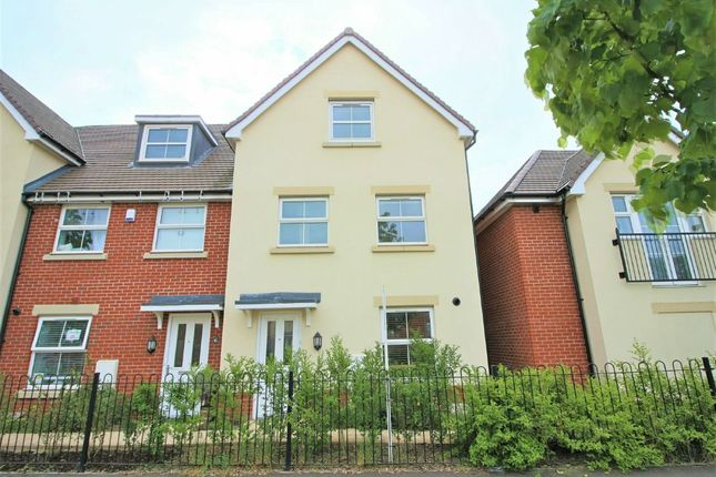 Thumbnail Town house to rent in Hyde Park, Lords Way, Andover