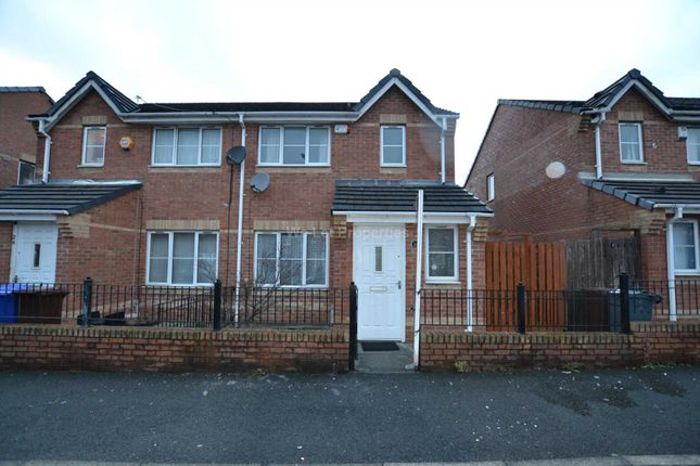 Thumbnail Property to rent in Gravenmoor Drive, Salford