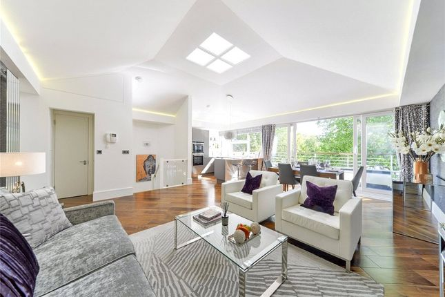Thumbnail Flat for sale in Waldron House, Chelsea