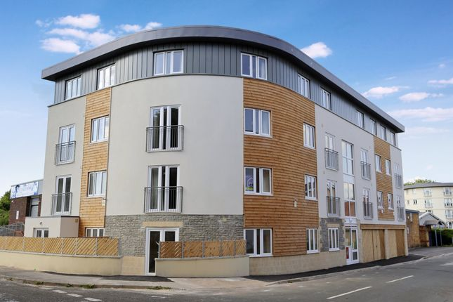 Thumbnail Flat to rent in Barrow Road, St Philips, Bristol