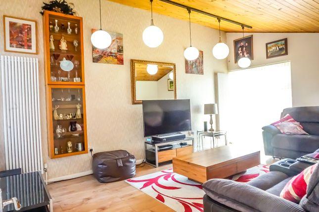 Lounge of Passmore, Milton Keynes MK6