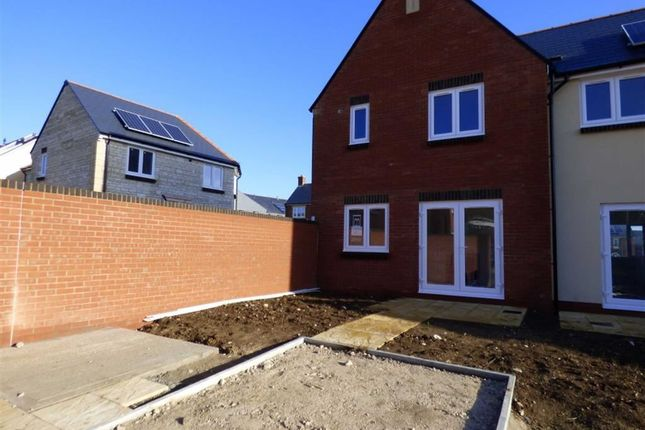 Curtis Way Weymouth Dt4 2 Bedroom End Terrace House For