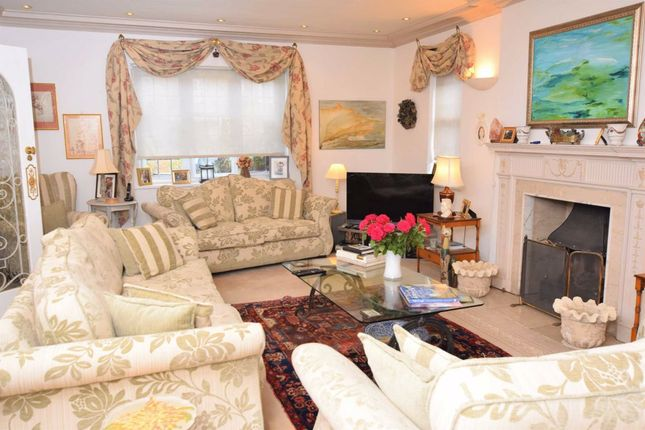 Thumbnail Property to rent in Cedars Close, Hendon, London