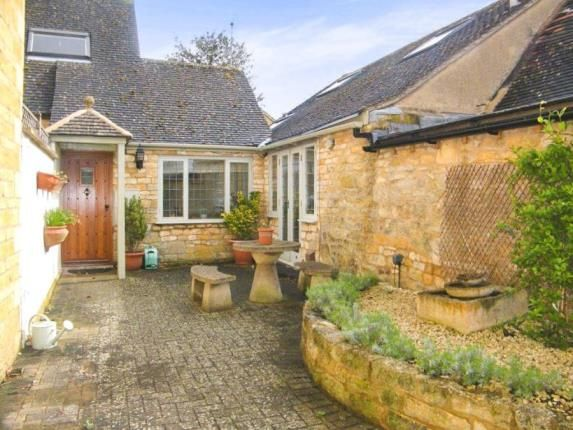 Thumbnail Property for sale in Leamington Road, Broadway, Worcestershire