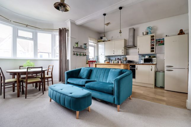 Lounge of Westbourne Grove, Westcliff-On-Sea SS0