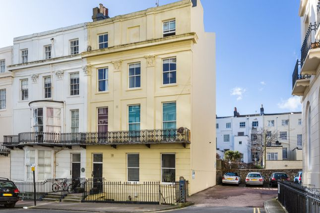 2 bed flat for sale in Cavendish Place, Brighton