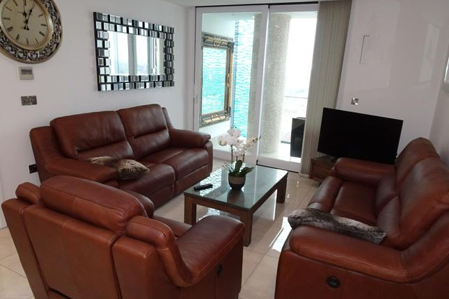 Flat to rent in Beetham Tower, 10 Holloway Circus