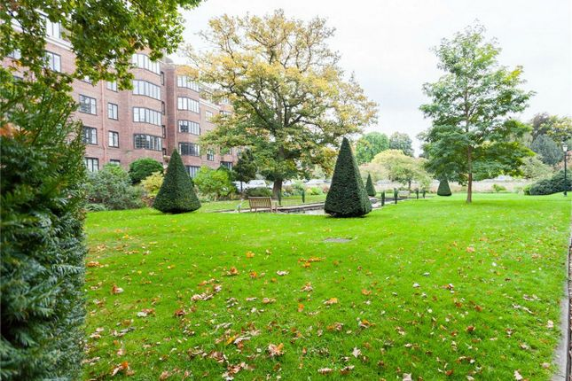 Thumbnail Flat for sale in Glenalmond House, Manor Fields, London