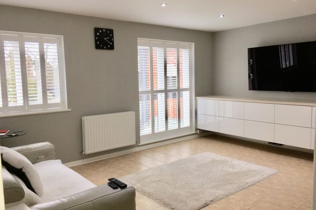 Thumbnail Flat for sale in 110-112 Curtain Road, London, London