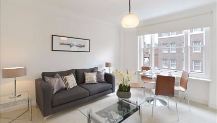 Thumbnail Terraced house to rent in Hill Street, Mayfair, London