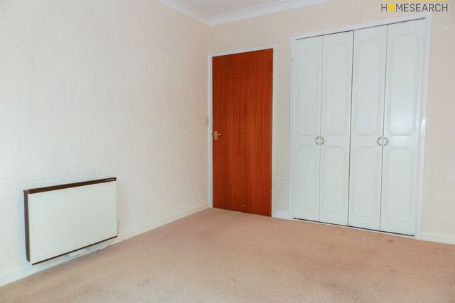 Bedroom of Homethorne House, Crawley RH11