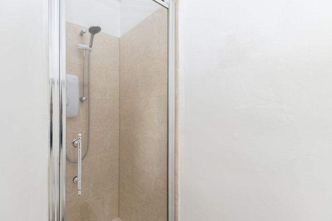 Flat 3 Shower Room 1
