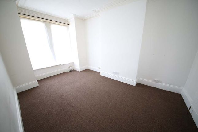Thumbnail Terraced house to rent in Sholebroke View, Leeds