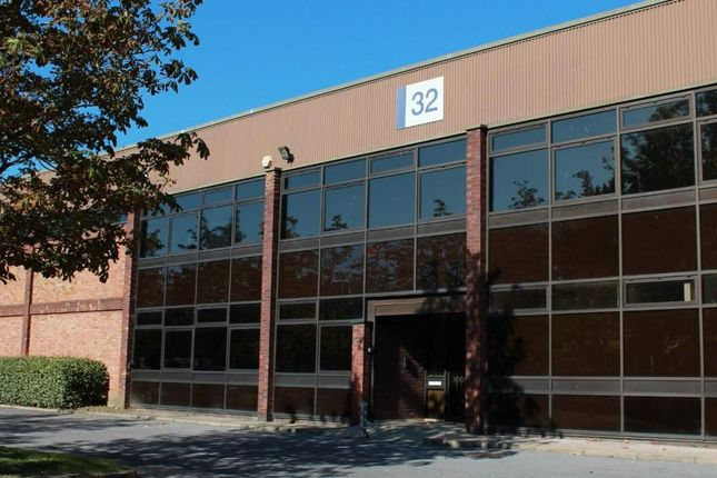 Thumbnail Warehouse to let in Unit 32 Suttons Business Park, Reading