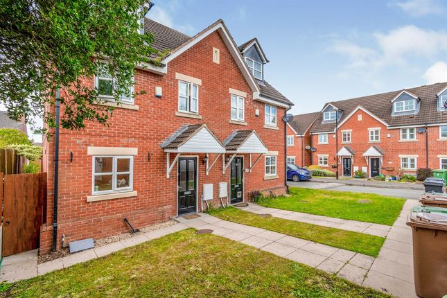 3 bed town house for sale in Merlin Close, Brownhills, Walsall WS8
