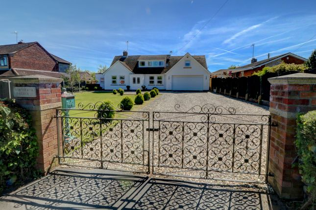 Thumbnail Detached house for sale in Stonebow Road, Drakes Broughton, Pershore