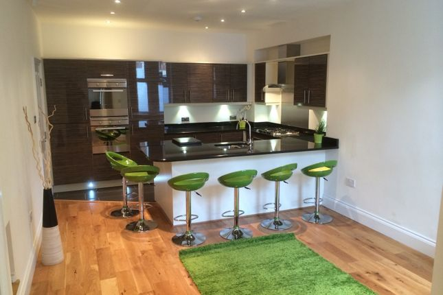 6 bed terraced house to rent in Cheltenham Terrace, Heaton