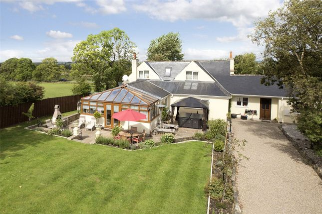 Thumbnail Detached house for sale in Skipton Road, Felliscliffe, Harrogate, North Yorkshire
