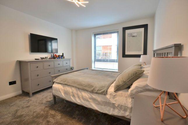 Bedroom of Madison Square, Liverpool L1