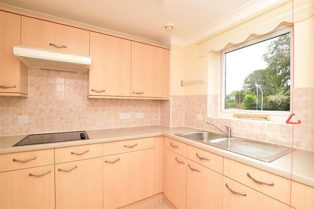 1 bed flat for sale in Grange Road, Uckfield, East Sussex TN22