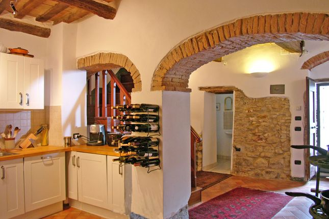 3. Kitchen of Monteloro, Anghiari, Tuscany