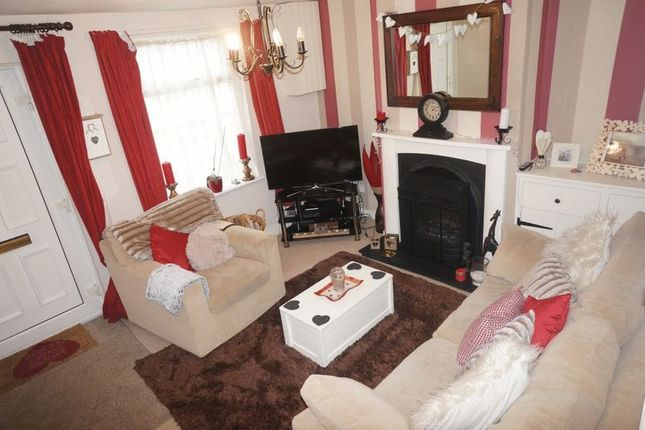 Thumbnail Terraced house to rent in Victoria Road, Alton