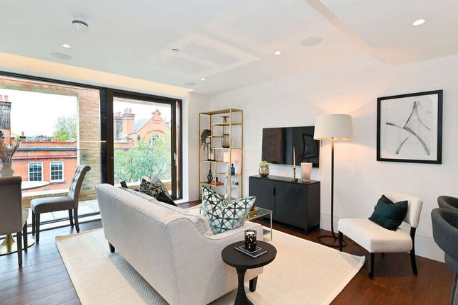 Thumbnail Flat for sale in Old Church Street, London