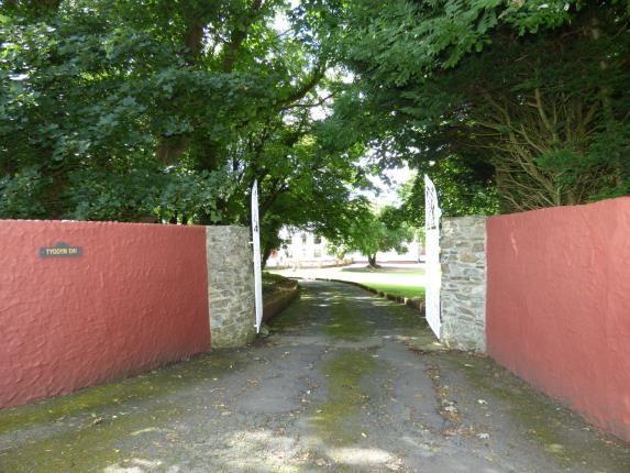 Front Access of Pentrefelin, Amlwch, Sir Ynys Mon LL68