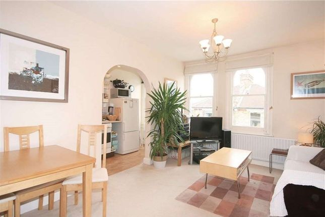 Flat to rent in Sudbourne Road, London