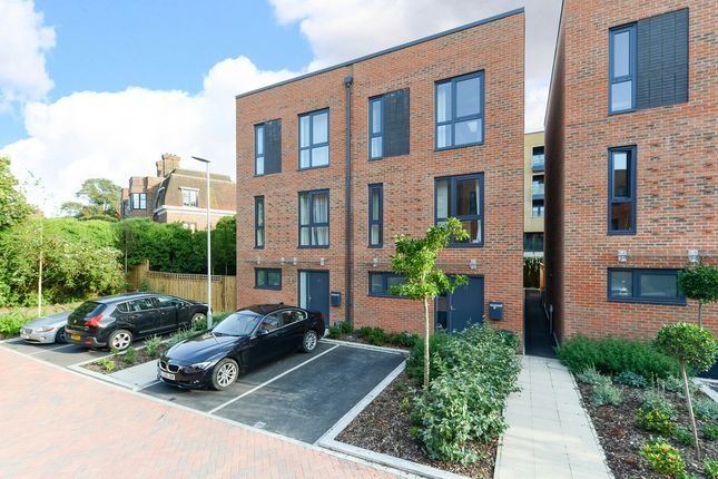 Thumbnail Terraced house to rent in Pipit Drive, Putney