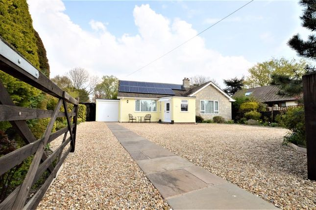 3 bed bungalow for sale in South Close, Lympsham, North Somerset BS24