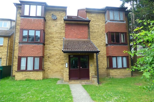 Thumbnail Flat to rent in Mead Avenue, Langley, Berkshire