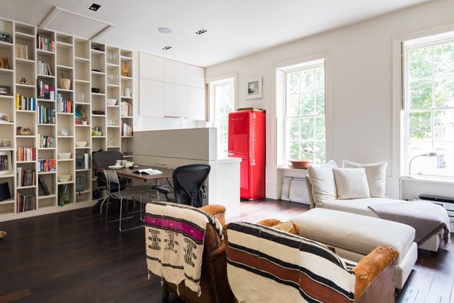 Thumbnail Town house to rent in Kennington Park Place, London