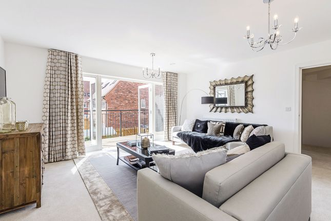 Thumbnail Terraced house for sale in Elmbank Avenue, Barnet