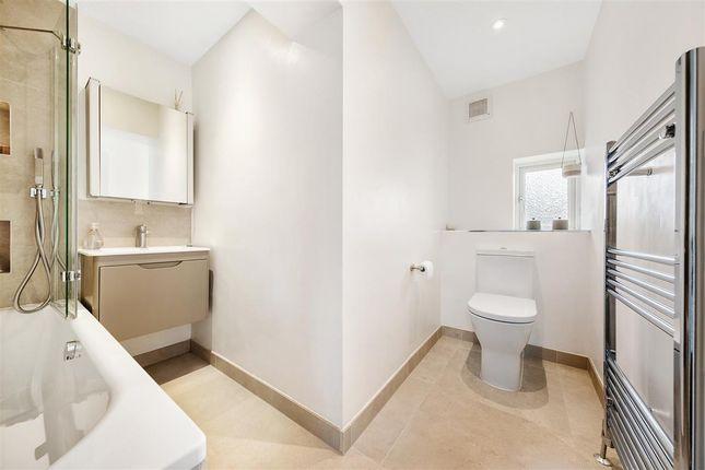 Bathroom of Edgington Road, London SW16