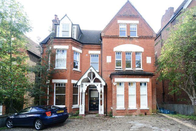 Maisonette for sale in Mowbray Road, London