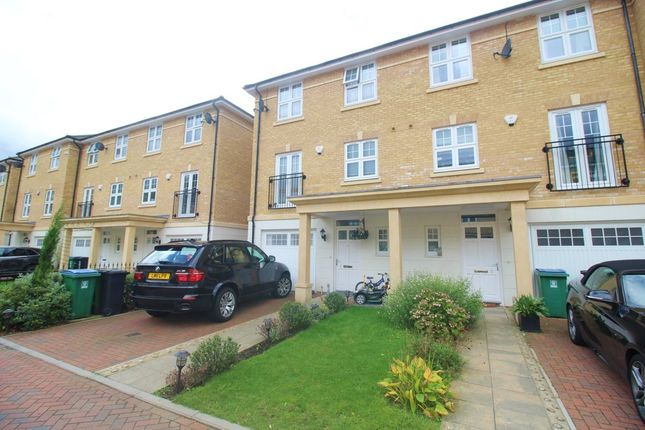 Thumbnail Detached house to rent in Baldwin Road, Watford