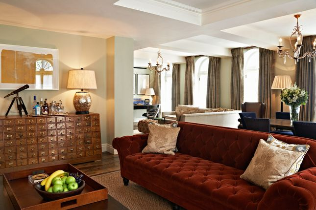 Thumbnail Flat to rent in Curzon Street, Mayfair